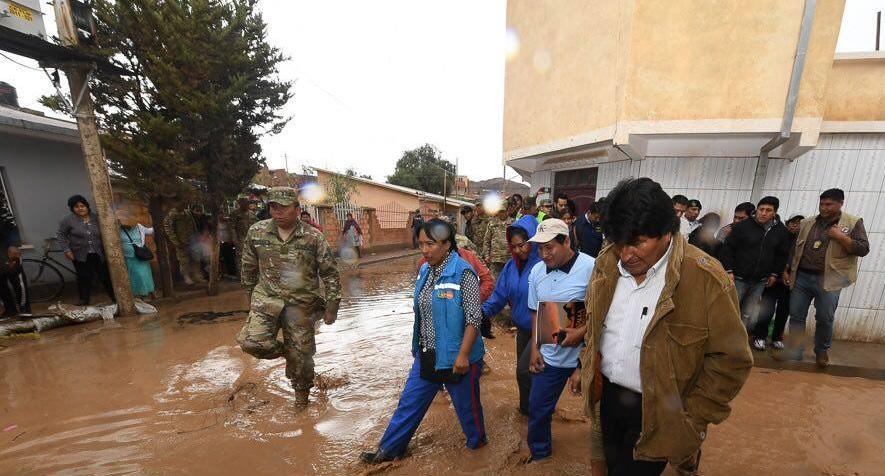 Evo Morales visita as regi�es afetadas