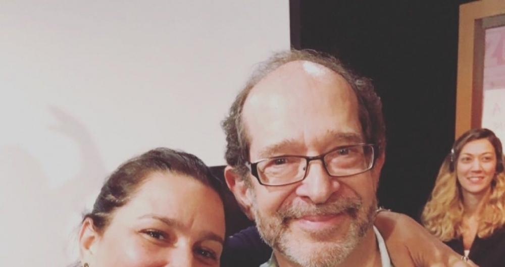 O diretor americano Steve Kaplan posa com a atriz Renata Castro Barbosa