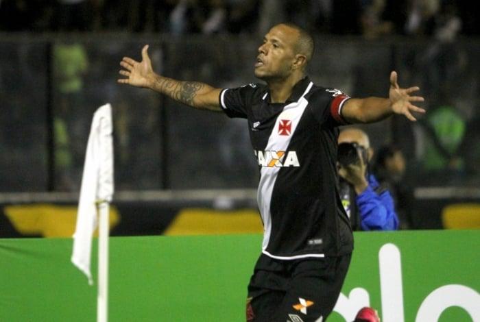 Luis Fabiano n�o � mais jogador do Vasco