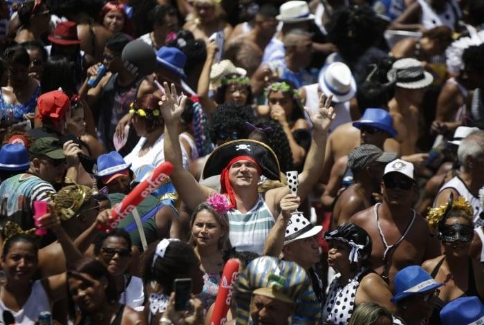 Cordão da Bola Preta atrai multidão no Carnaval