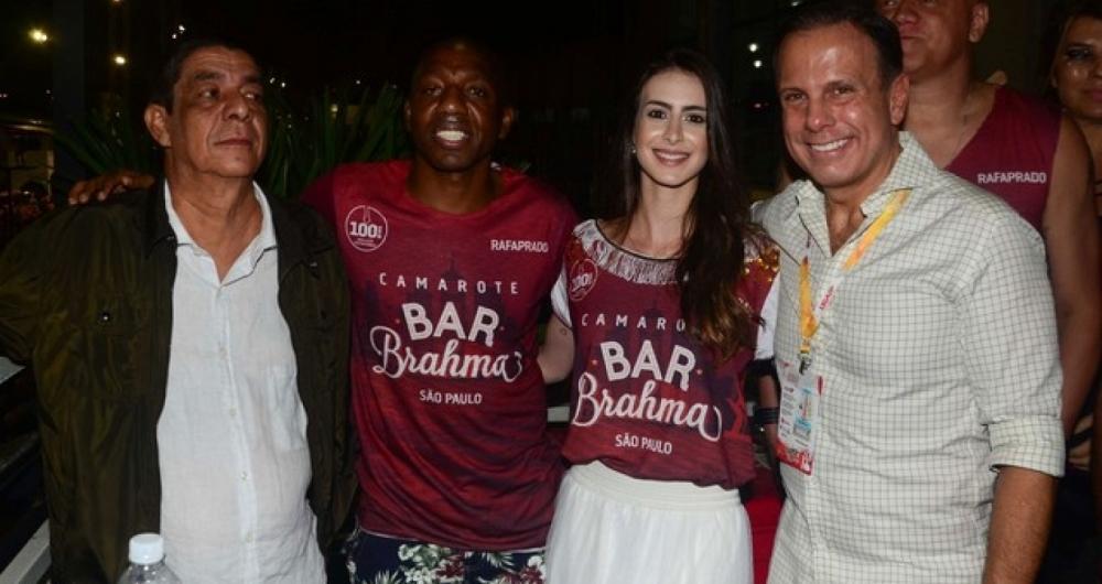 Jo�o Doria posa com o cantor Zeca Pagodinho e o ex-jogador Amaral