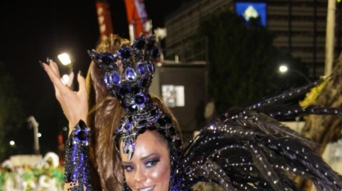 Denise Dias, Rainha da Inocentes de Belford Roxo: beldade eleita