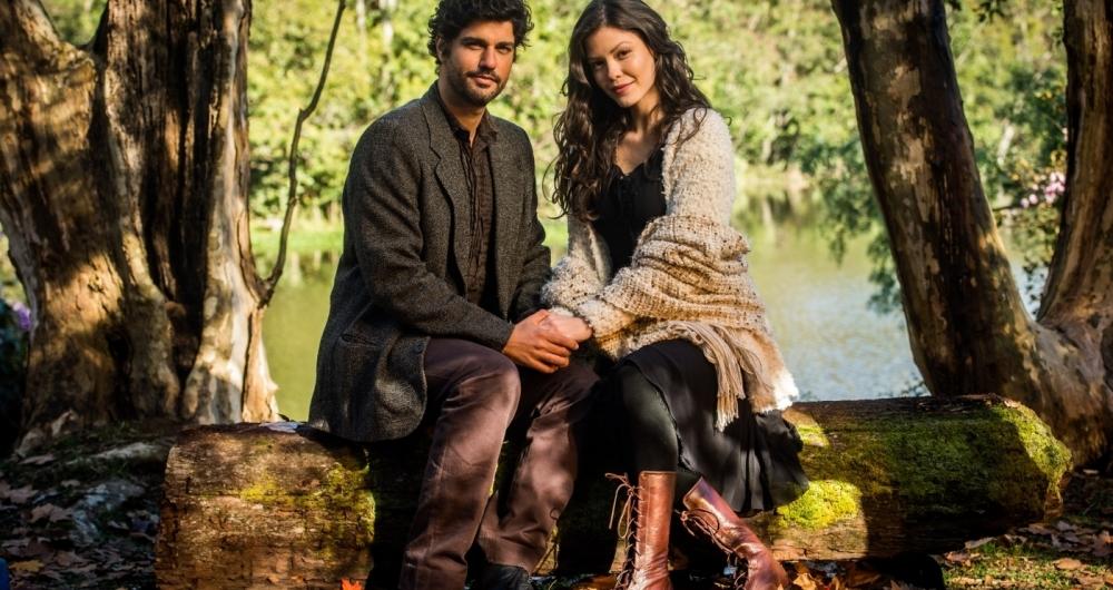 In�cio (Bruno Cabrerizo) e Maria Vit�ria (Vit�ria Strada), os protagonistas de 'Tempo de Amar'