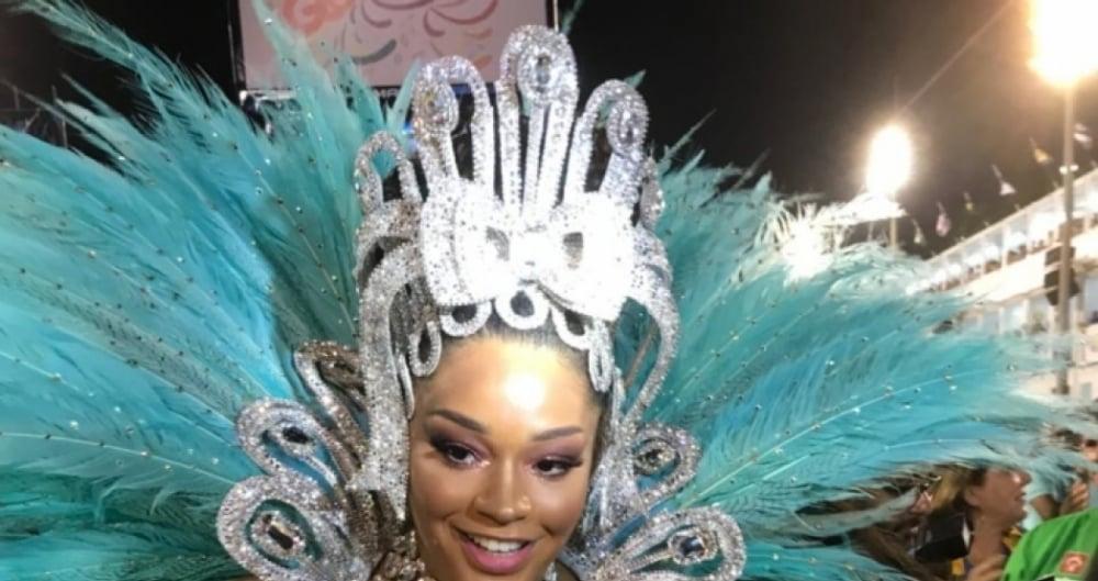 Juliana Alves chegou em cima da hora para desfile da Tijuca: 'estava amamentando a minha filha'