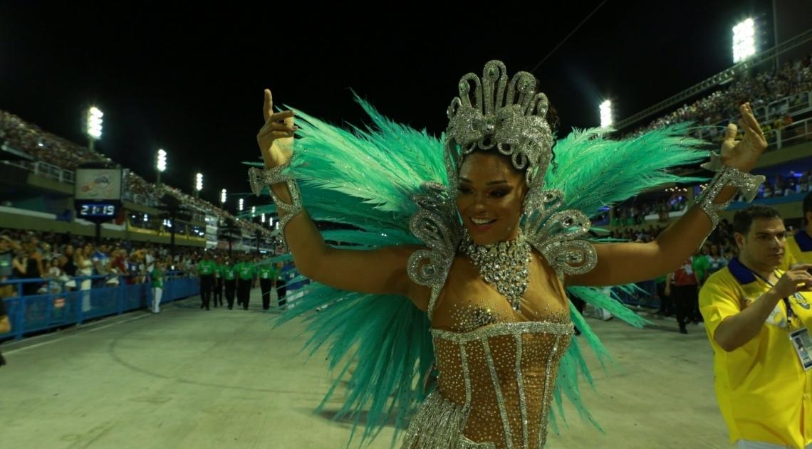 Juliana Alves no desfile da Unidos da Tijuca