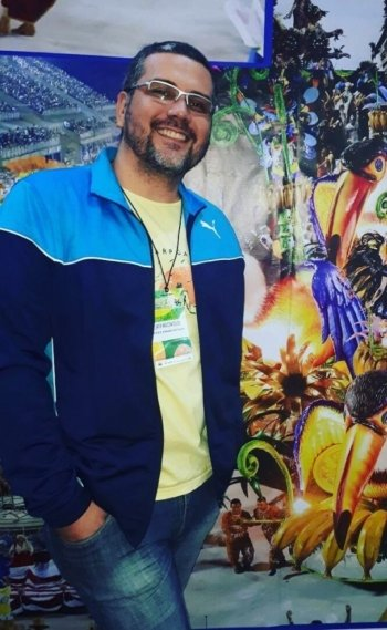 Jack Vasconcelos, formado em Belas Artes pela UFRJ, gostou mais do último setor da Paraíso do Tuiuti