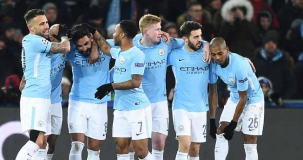 Jogadores do City comemoram o primeiro gol