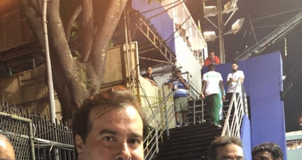 Rodrigo Maia fez críticas ao desfile da Tuiuti