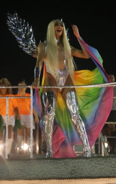 Pabllo Vittar desfilou na Beija-Flor de Nilópolis