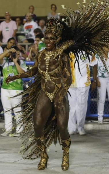 Imperatriz foi a penúltima a desfilar na Avenida, nesta segunda de Carnaval