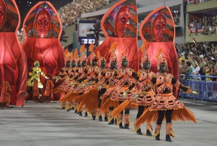 Ideia não é colocar a marca Rock in Rio no Carnaval, mas adotar o mesmo estilo profissional para o desfile