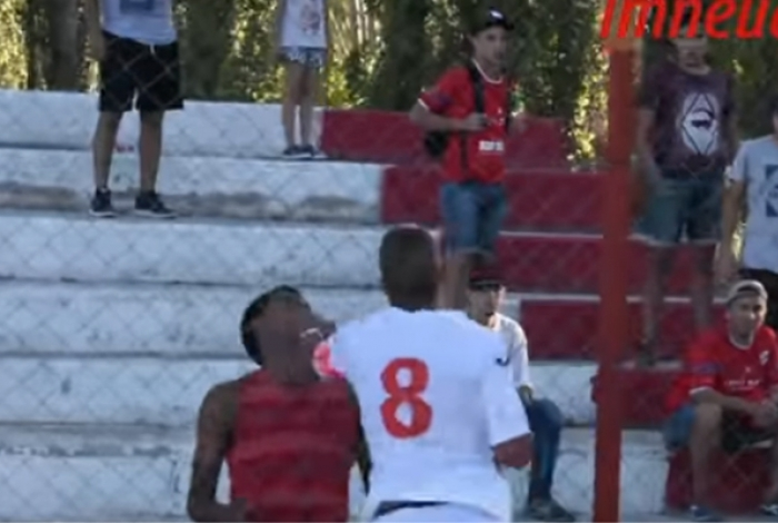 Jogador do Independiente Neuquen partiu para cima de torcedor