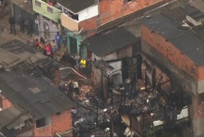 Incêndio na Rua Ministro Guimarães Natal, no Campo Belo