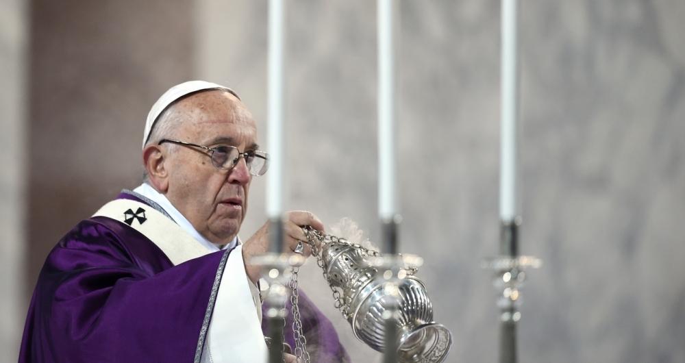 Papa Francisco celebrando a missa de quarta-feira de cinzas