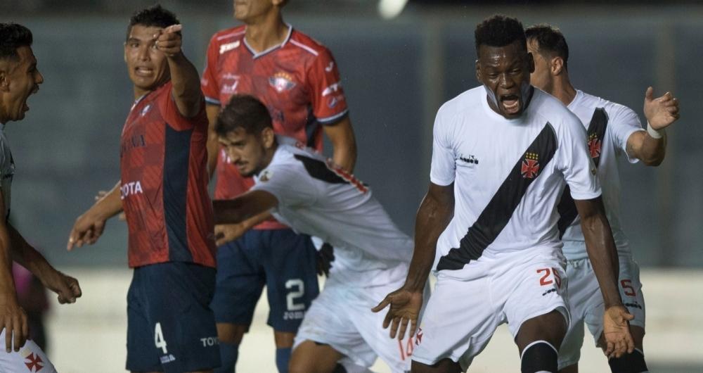 Vasco goleou equipe boliviana