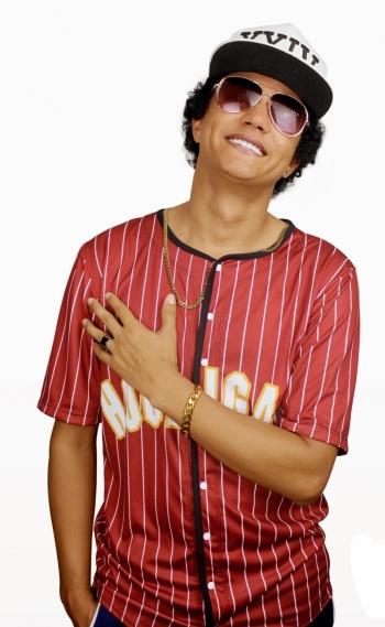 Johnny Mattos � cover de Bruno Mars e principal atra��o do 'Eu Amo Baile Charme'