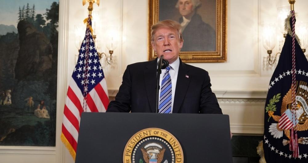Trump lamenta massacre em escola na Florida e evitou falar em controle de armas nos EUA