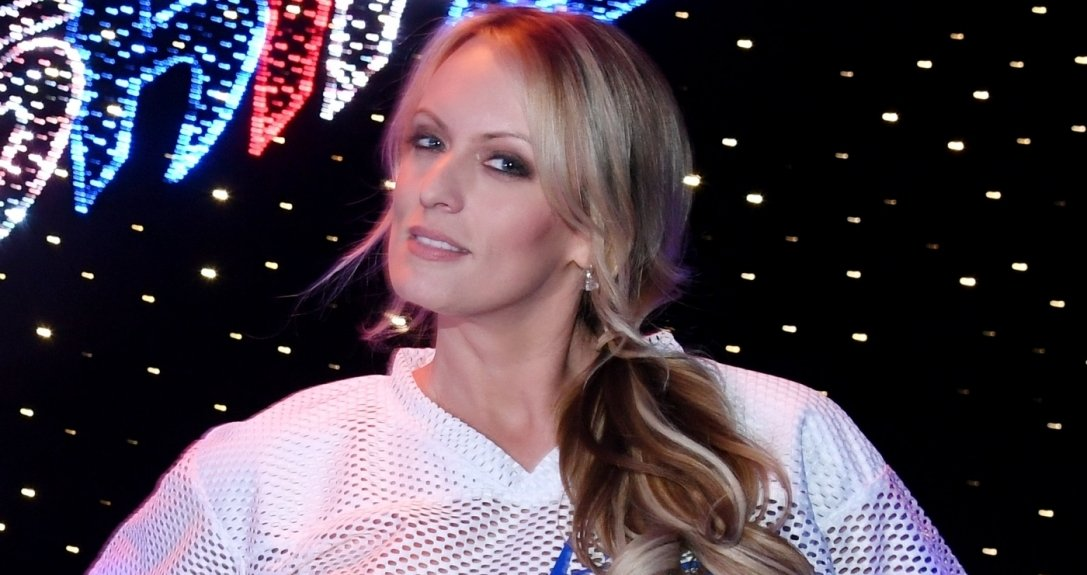 A atriz porn� Stephanie Clifford, tamb�m conhecida como Stormy Daniels, diz ter tido um caso com Donald Trump em 2006, quando ele j� era casado