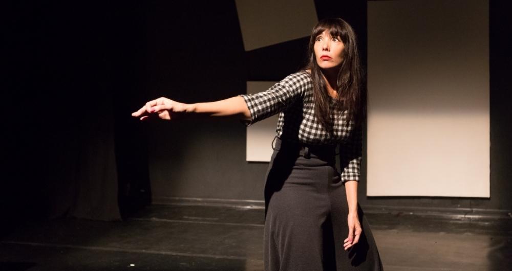 Rita Elm�r reestreia no Teatro Maison de France: