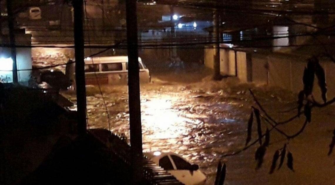 Forte chuva atingiu a Vila da Penha