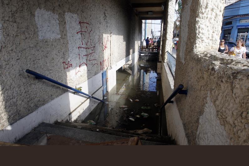 Estação de Ramos Zona Norte do Rio Interditada , continua cheia de água e lama