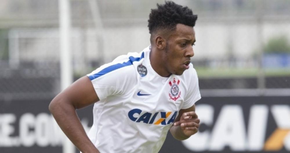 Troca de Alvinegro! Lateral acerta saída do Corinthians rumo ao Botafogo