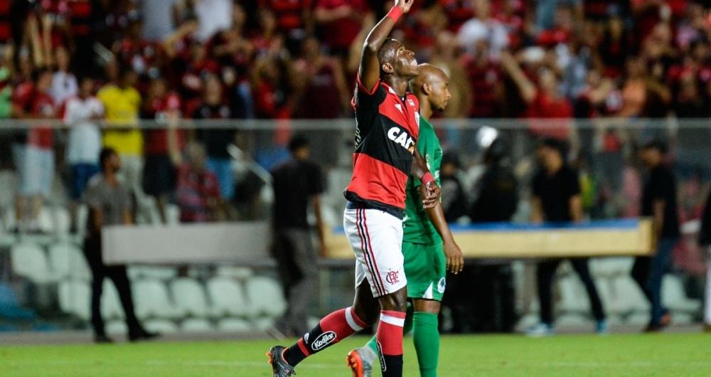 Vinícius Júnior marca o segundo gol do Flamengo