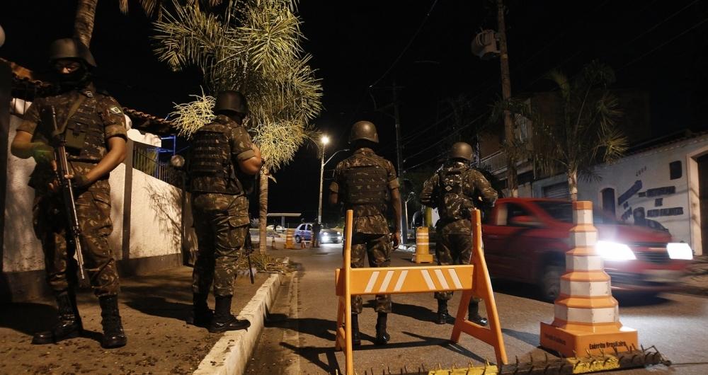 Câmara aprova decreto de intervenção militar no Rio