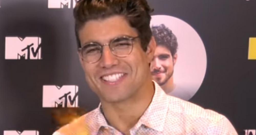 Caio Castro em entrevista para canal no YouTube