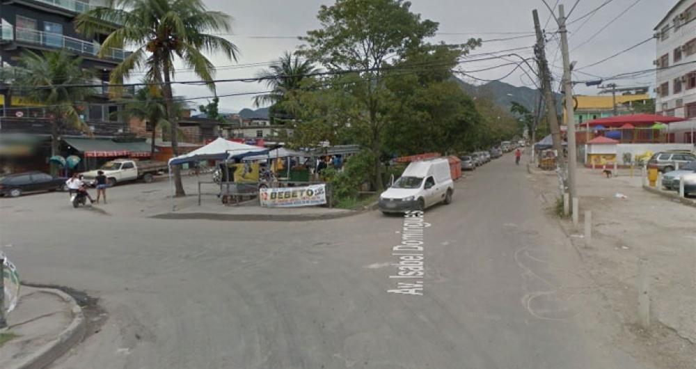 Avenida Isabel Domingues, em Gardênia Azul, via onde casal foi encontrado morto a tiros