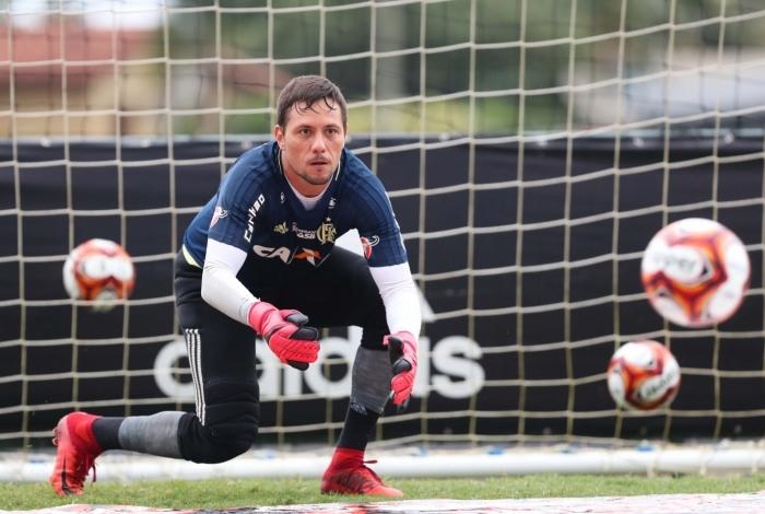 Diego Alves no treino do Flamengo