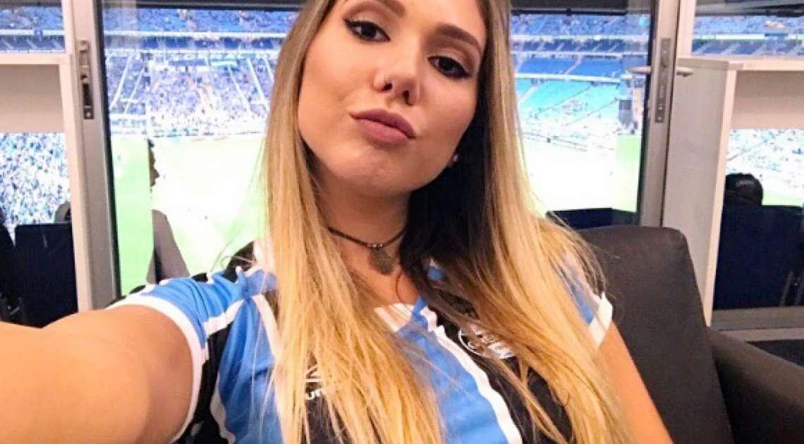 Carol Portaluppi comemora a classificação do Grêmio na Libertadores