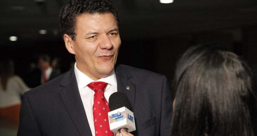 Roberto Veloso, da Ajufe, garante que o aux�lio est� dentro da lei-