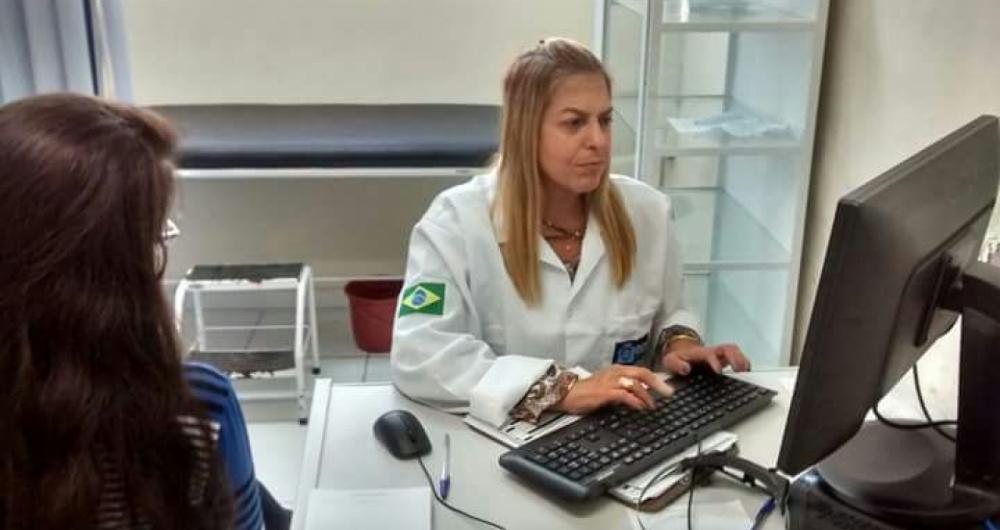 Para a dermatologista Andrea Duarte, a proteção tem que acontecer o ano todo e não só no verão