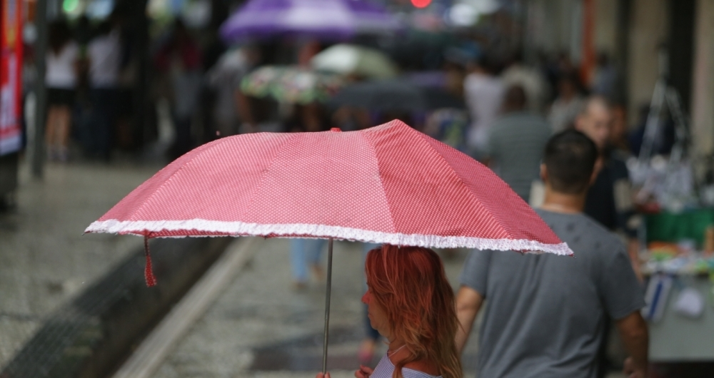 Chuva isolada pode atingir a cidade