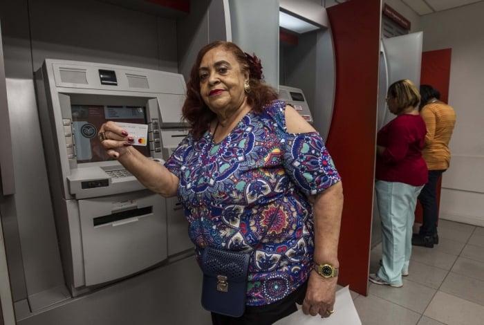 Yedda Gaspar, da Faaperj, fez o recadastramento no banco Santander em maio, para não ter dor de cabeça