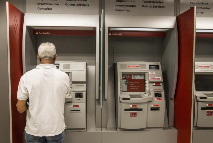 Em situações normais, a prova de vida é feita pelo segurado anualmente no banco em que recebe o benefício para comprovar que ele está vivo