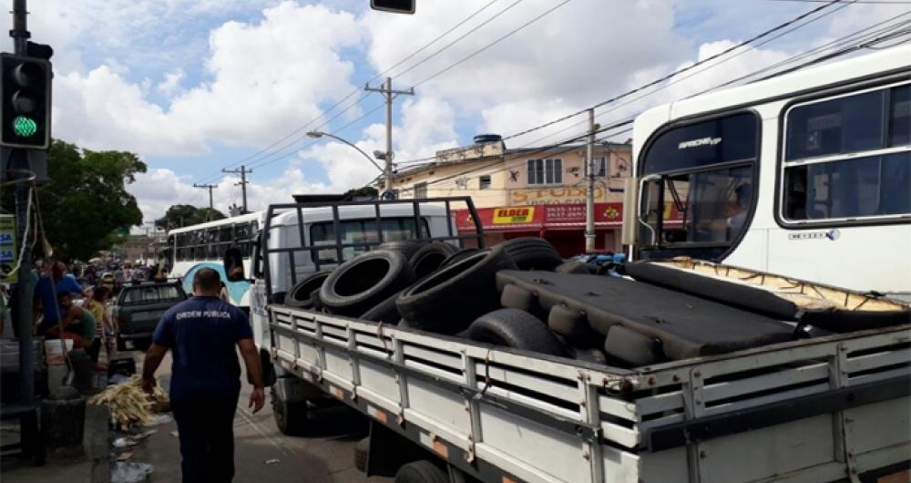 Autopeças apreendidas na Feira Livre de Acari