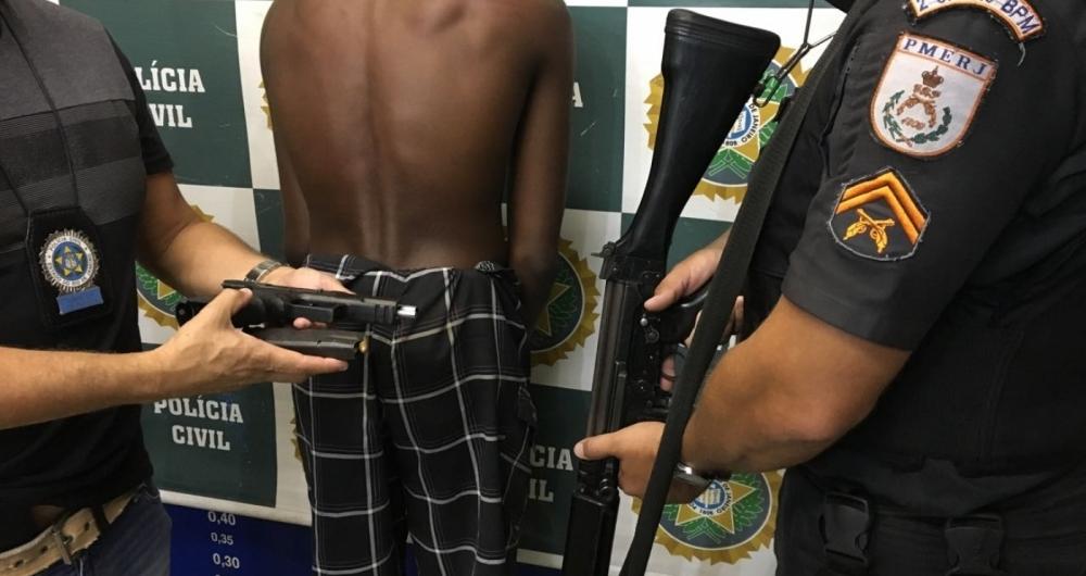 Dono da arma, o menor apreendido j� tinha passagem pela pol�cia