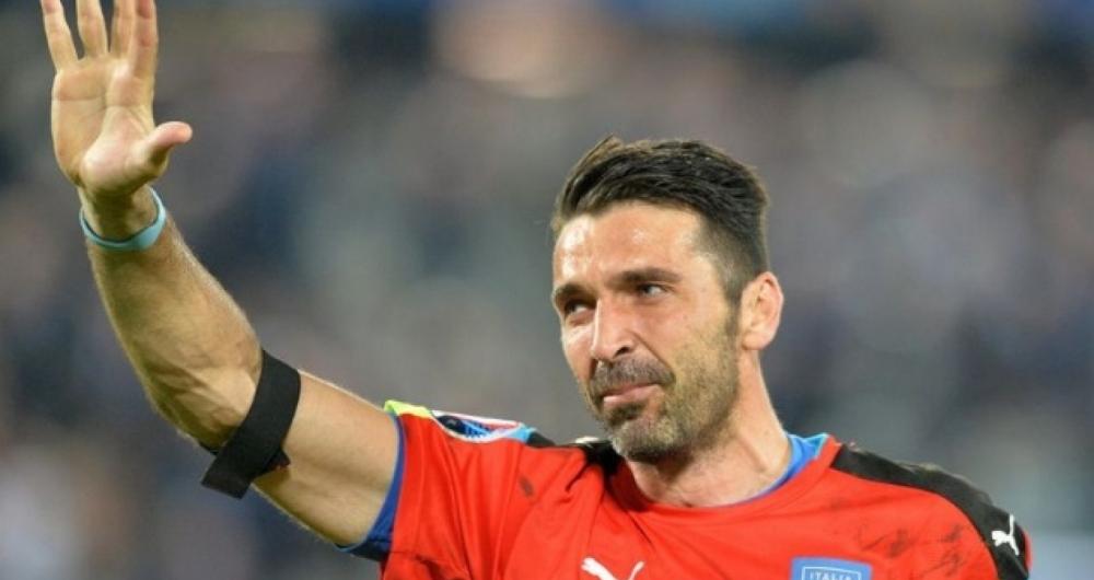 Buffon vai voltar a defender a sele��o italiana