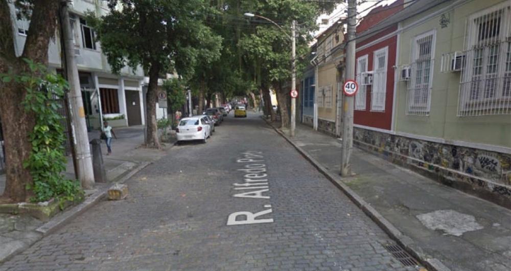 Homem foi morto em assalto na Rua Alfredo Pinto, na Tijuca