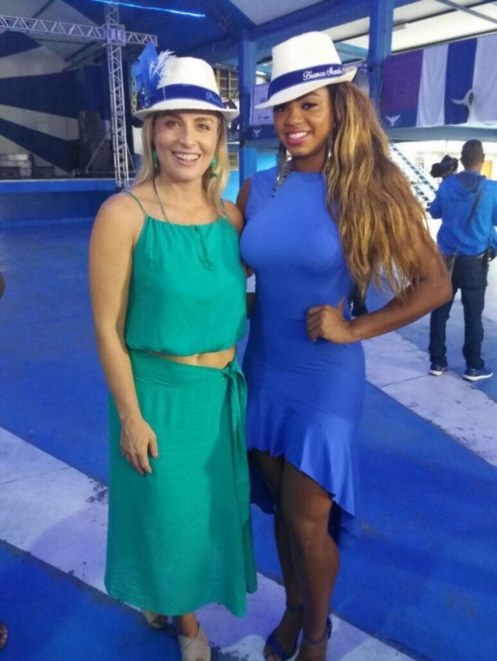 Angélica e Bianca Monteiro na quadra da Portela