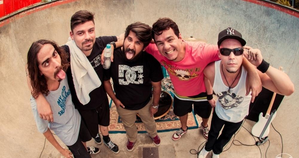 Banda Seu Miranda lan�a o clipe 'Charles Garot�o', faixa do novo EP