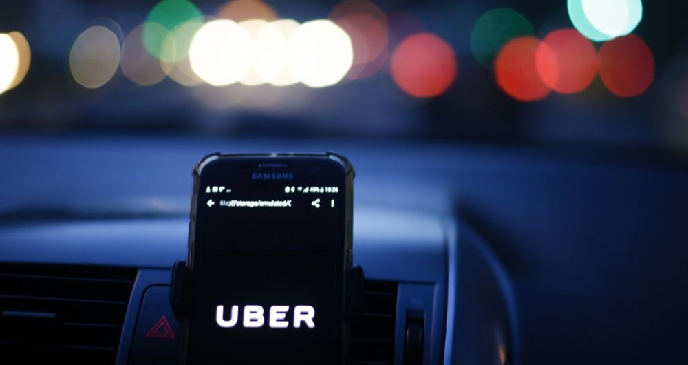 01/03/2018 - O prefeito do Rio, Marcelo Crivella, defendeu que motoristas de aplicativos de transporte, como a Uber, paguem impostos. Foto: Luciano Belford / Agencia O Dia