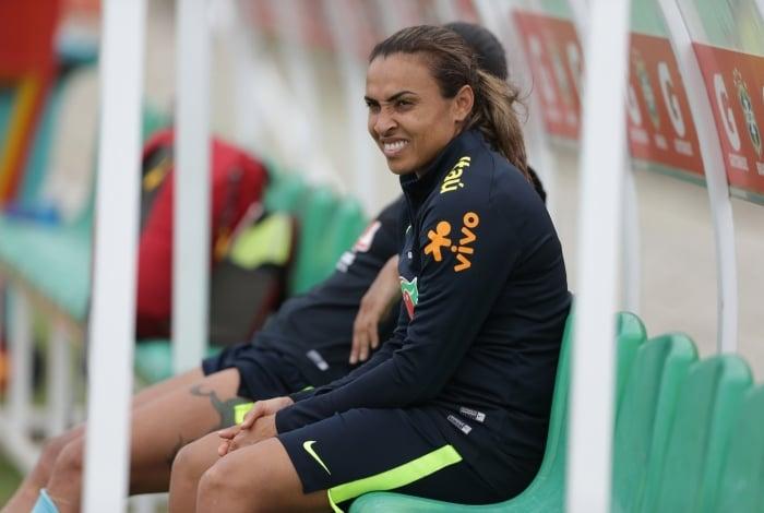 841580d9bd Marta se machuca e desfalca seleção brasileira em amistosos no ...
