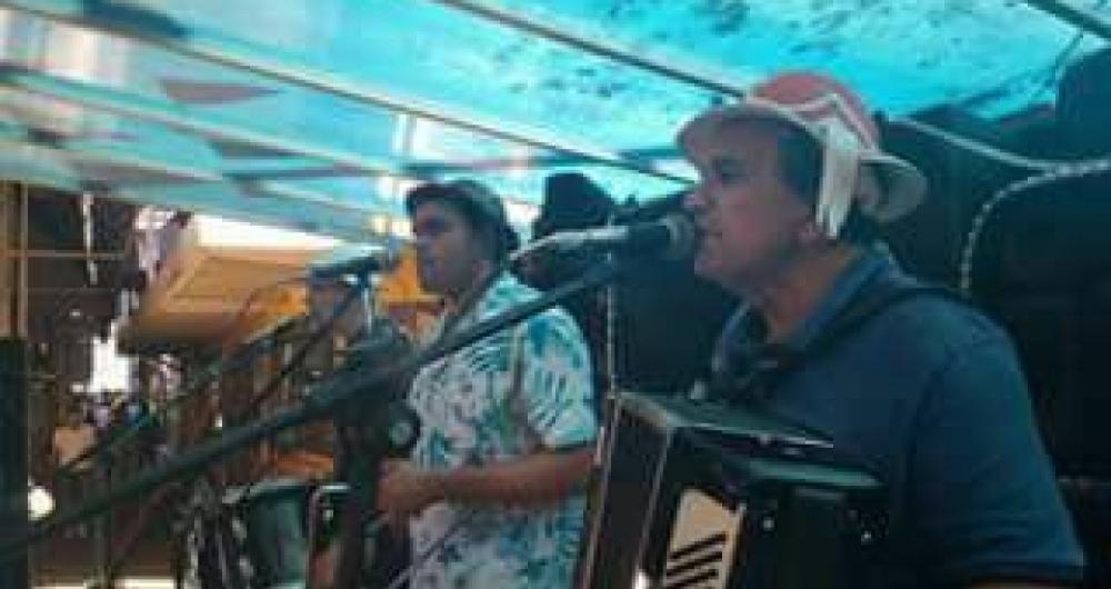 Trio Guarabira anima a tradicional Feira de S�o Crist�v�o