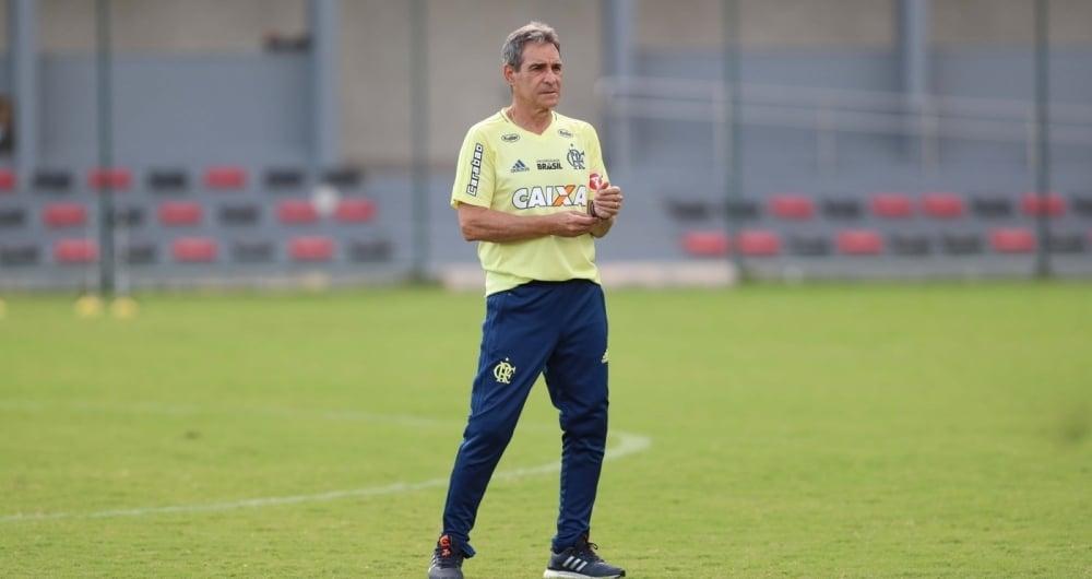 Neymar recebe Vinicius Júnior, do Flamengo, em sua casa, em Mangaratiba