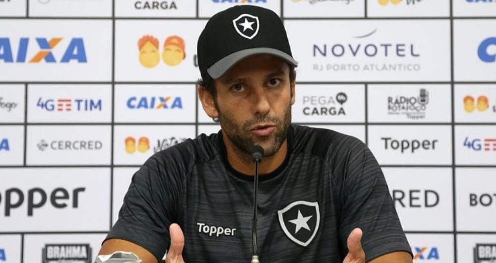 Alberto Valentim ter� o seu primeiro grande desafio pelo Botafogo