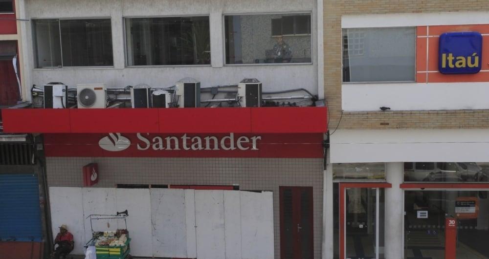 03/03/2018 -Su�te do assalto ao Banco Santander, em Madureira, onde bandidos fizeram os  clientes de ref�ns no dia 02/03/2018. Foto de Ma�ra Coelho / Ag�ncia O Dia - Pol�cia,  Assalto, Crime, Ref�m,