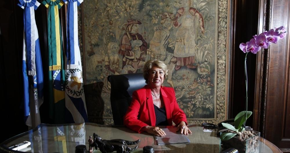 Angela Costa, primeira mulher a assumir a presidência da Associação Comercial do Rio de Janeiro, começou a carreira ampliando negócios do pai